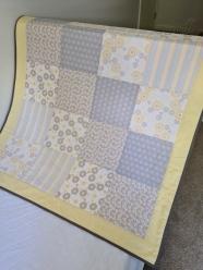 Cot Quilt Lemon/Grey no.1